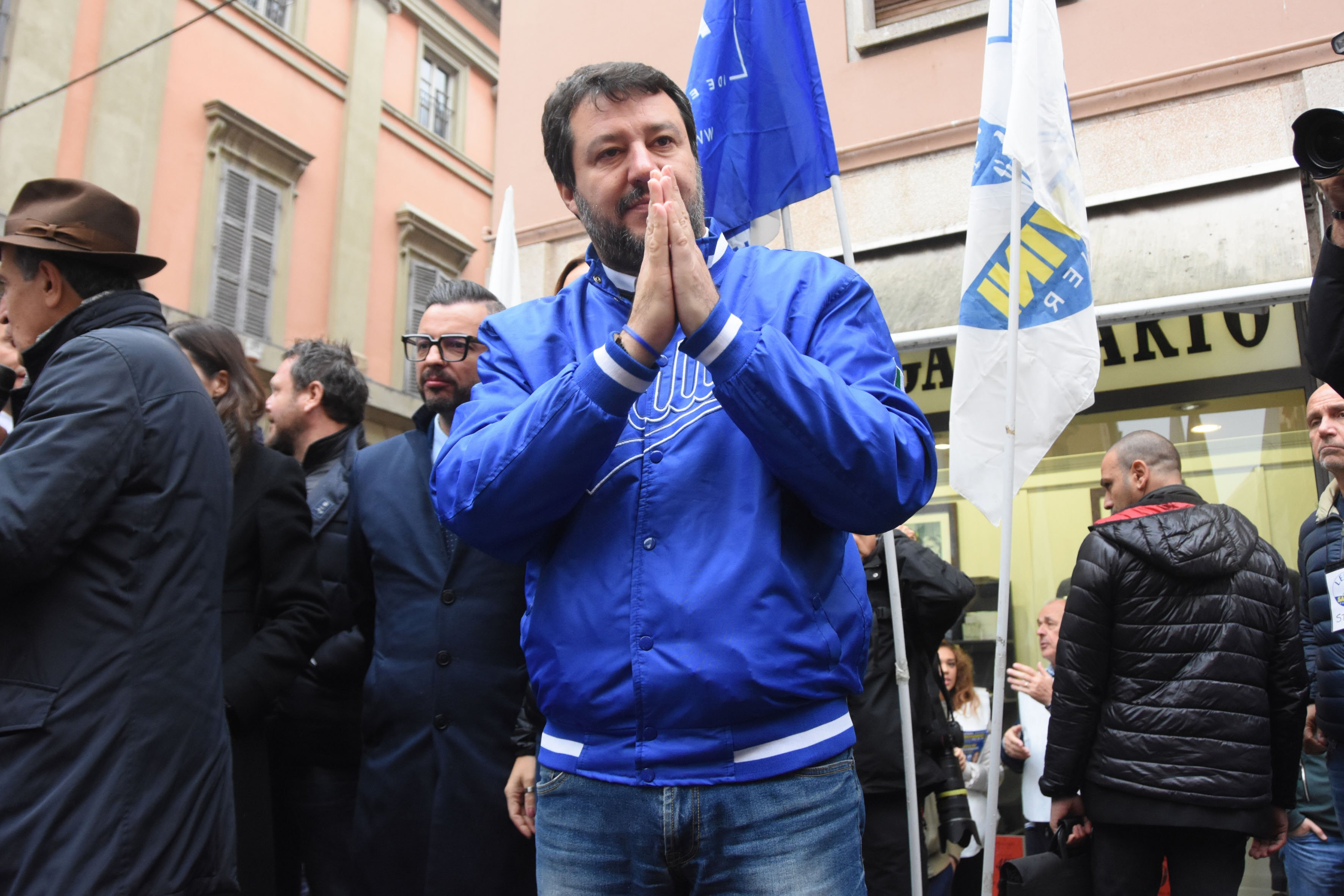"Salvini ""lancia"" l'aeroporto. ""Forlì va collegata al mondo"""