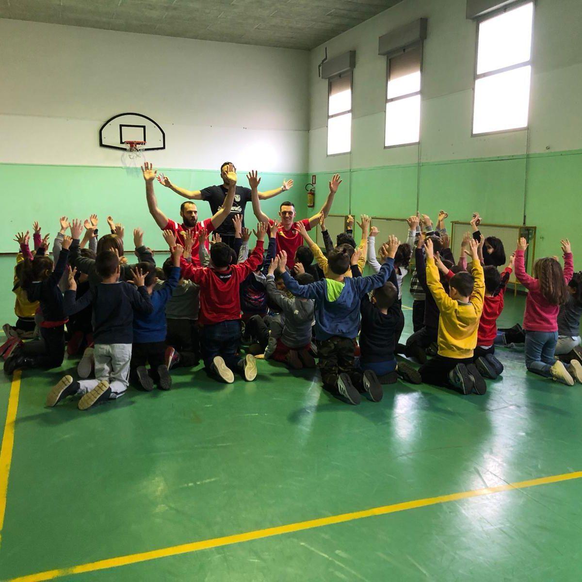 Imola, torna il progetto Basket nelle scuole