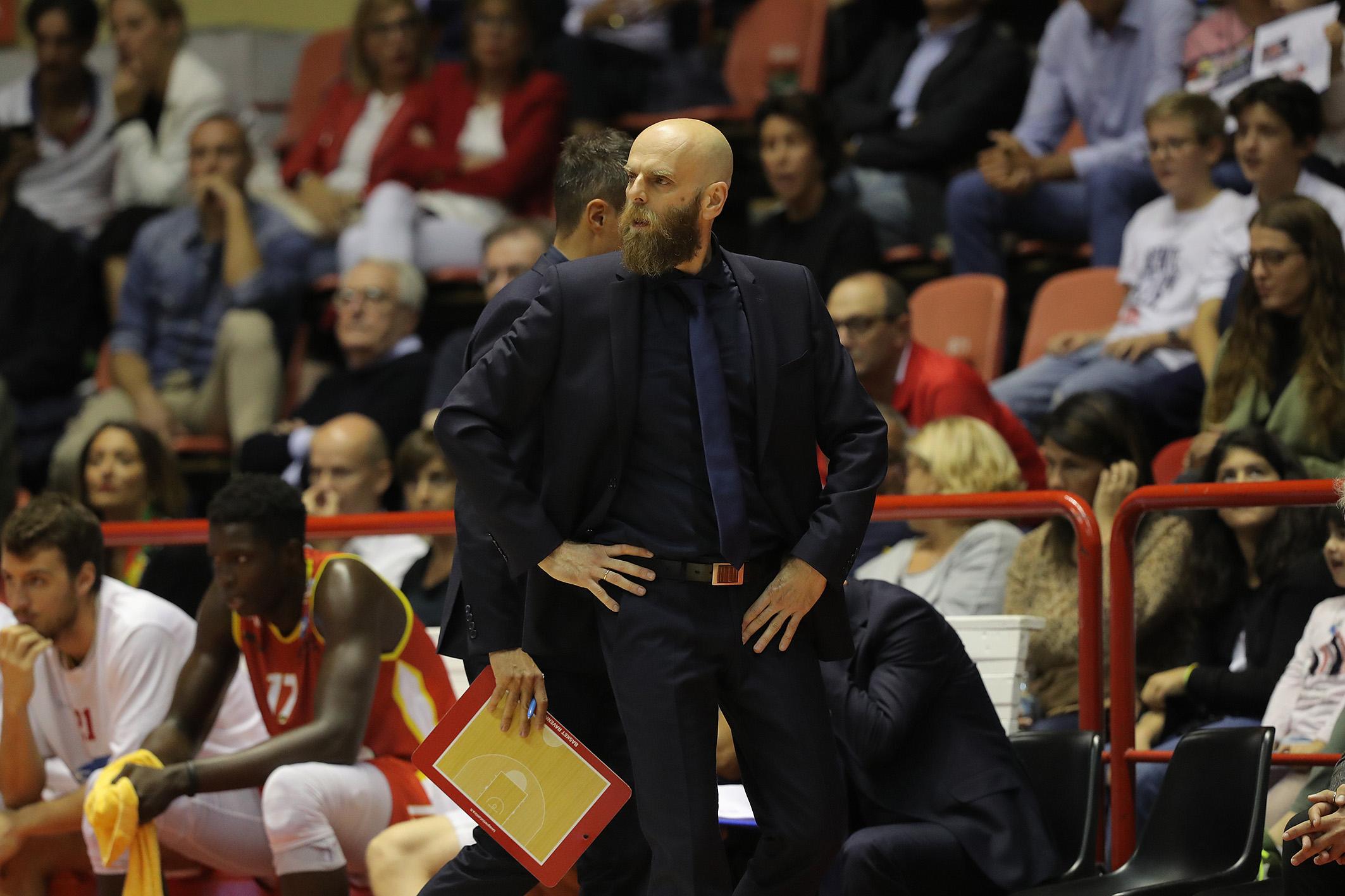 Basket A2, OraSì sconfitta a Milano 78-62