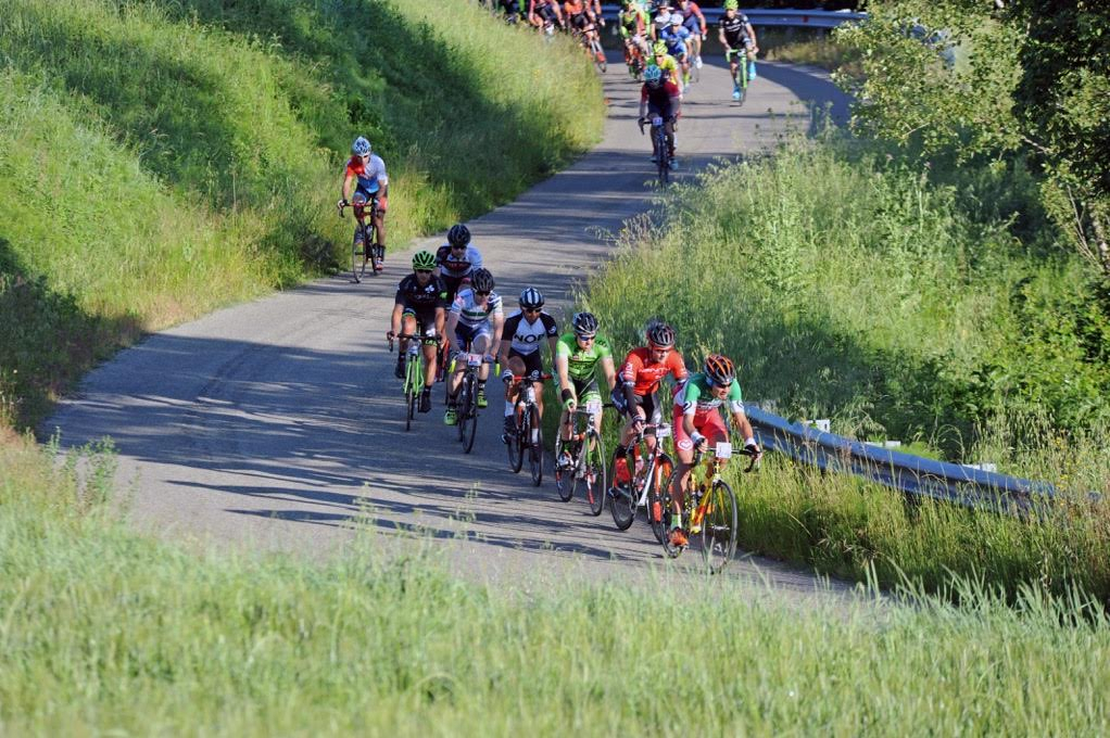 Ciclismo,  esauriti in un lampo 10.000 pettorali per la Nove Colli