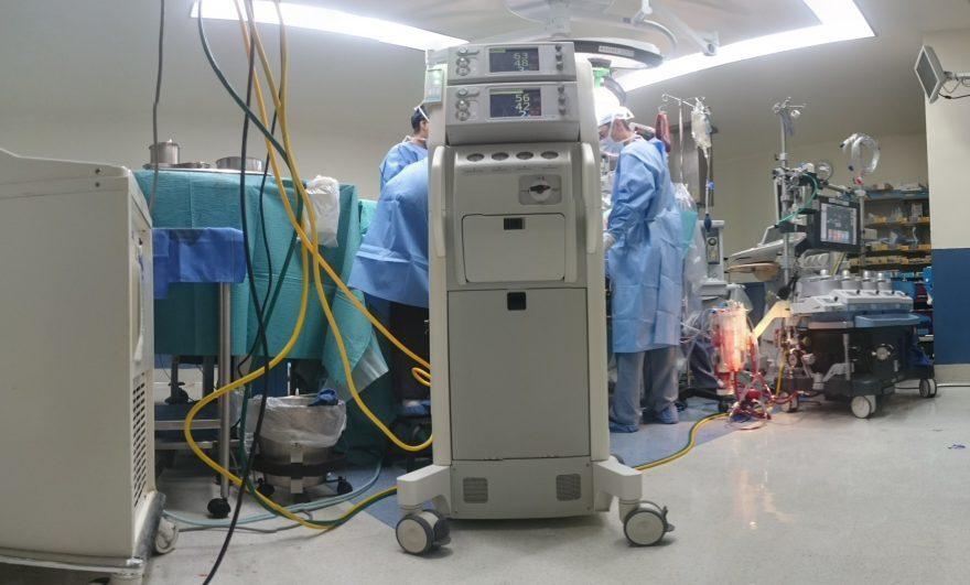 Rimini, chirurgo e anestesista indagati per la paziente morta