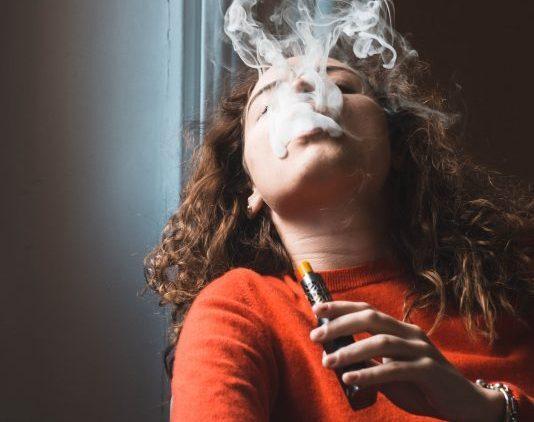 """Sigarette elettroniche, Polosa: """"Controllo sui liquidi necessario più che mai"""""""