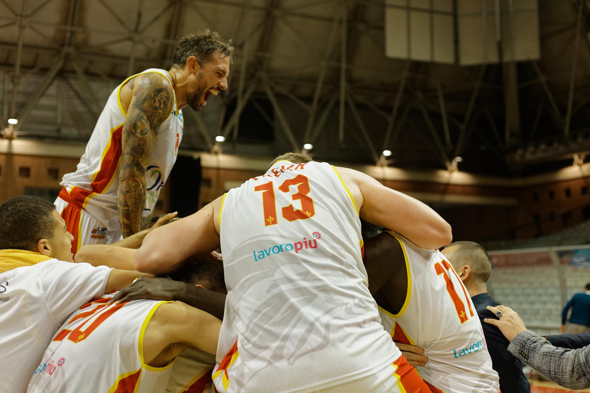 Basket, sconti speciali per OraSì-Orzinuovi