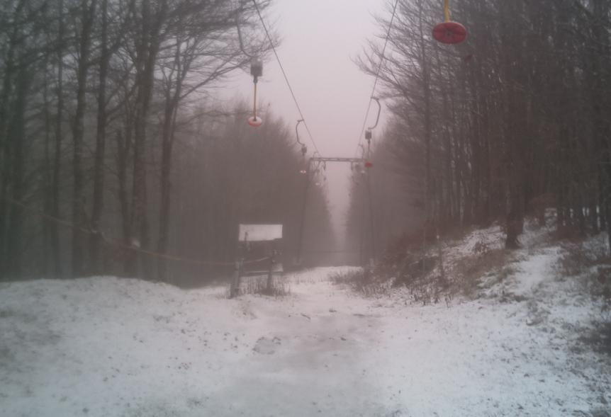 Dall'estate tardiva all'anticipo d'inverno, prima neve a Campigna