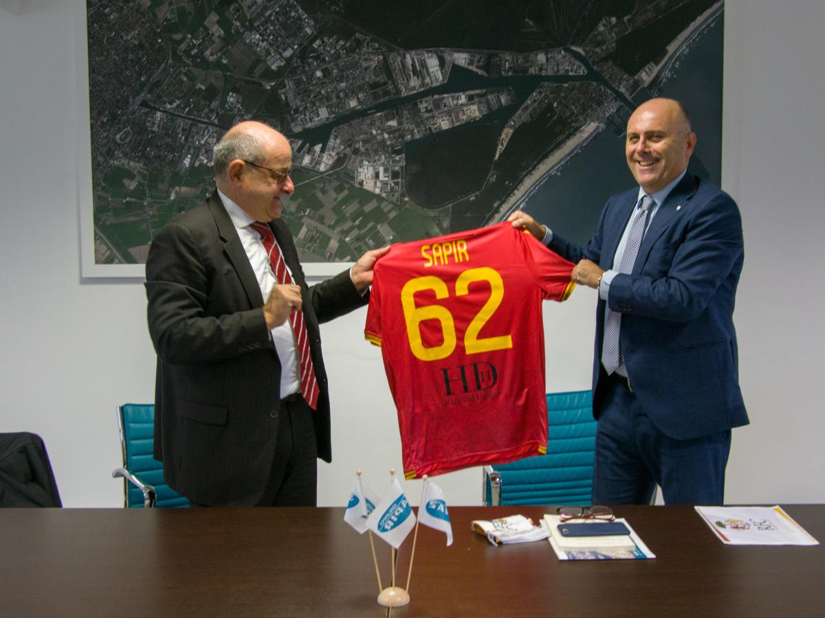 Calcio serie C, il Ravenna in visita dallo sponsor - GALLERY