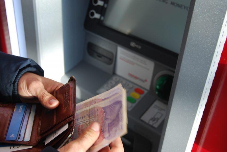 Ravenna, sottrae 30mila euro a cliente Ex direttore di banca arrestato
