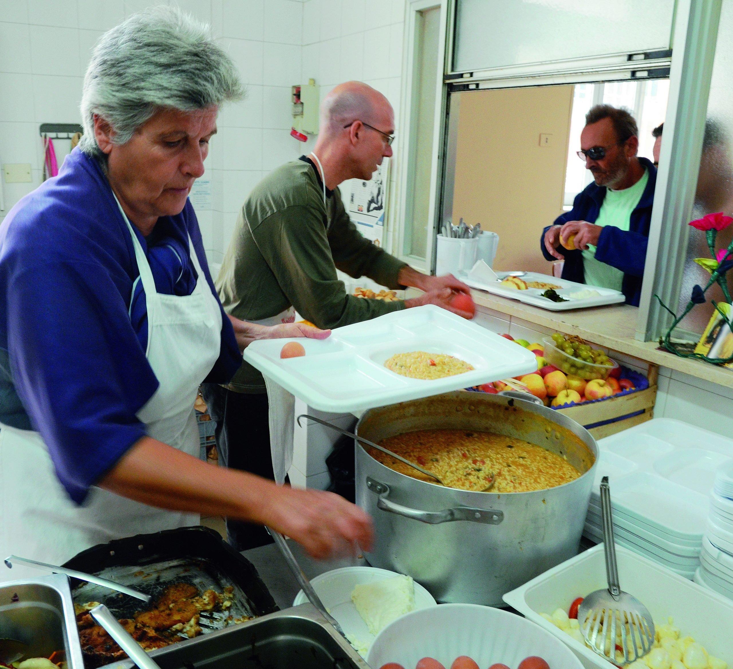 Ravenna punta alla Cucina popolare. E Bucci lancia il pasto sospeso