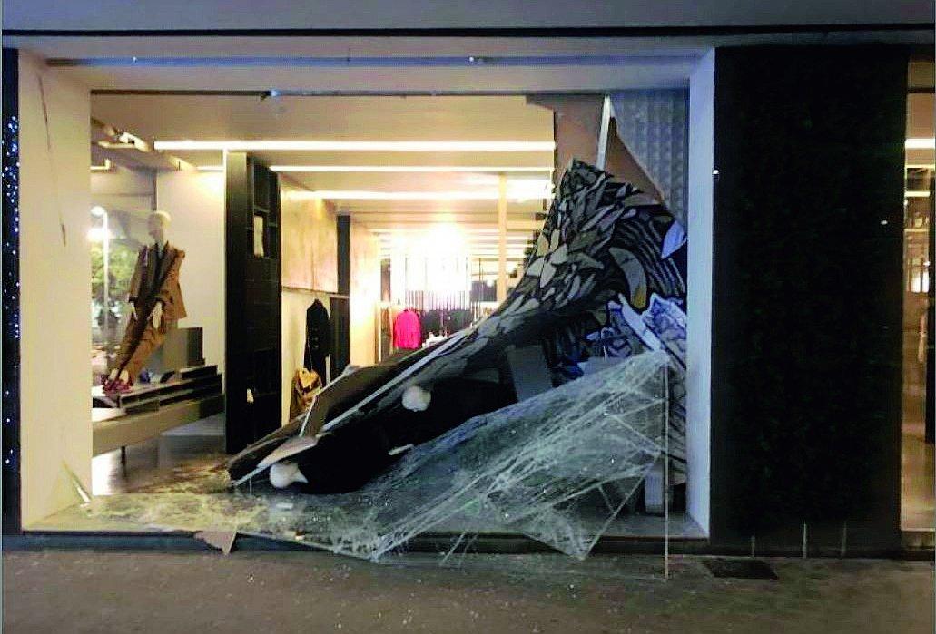 Spaccata alla boutique Gaudenzi a Riccione, colpo da 100mila euro