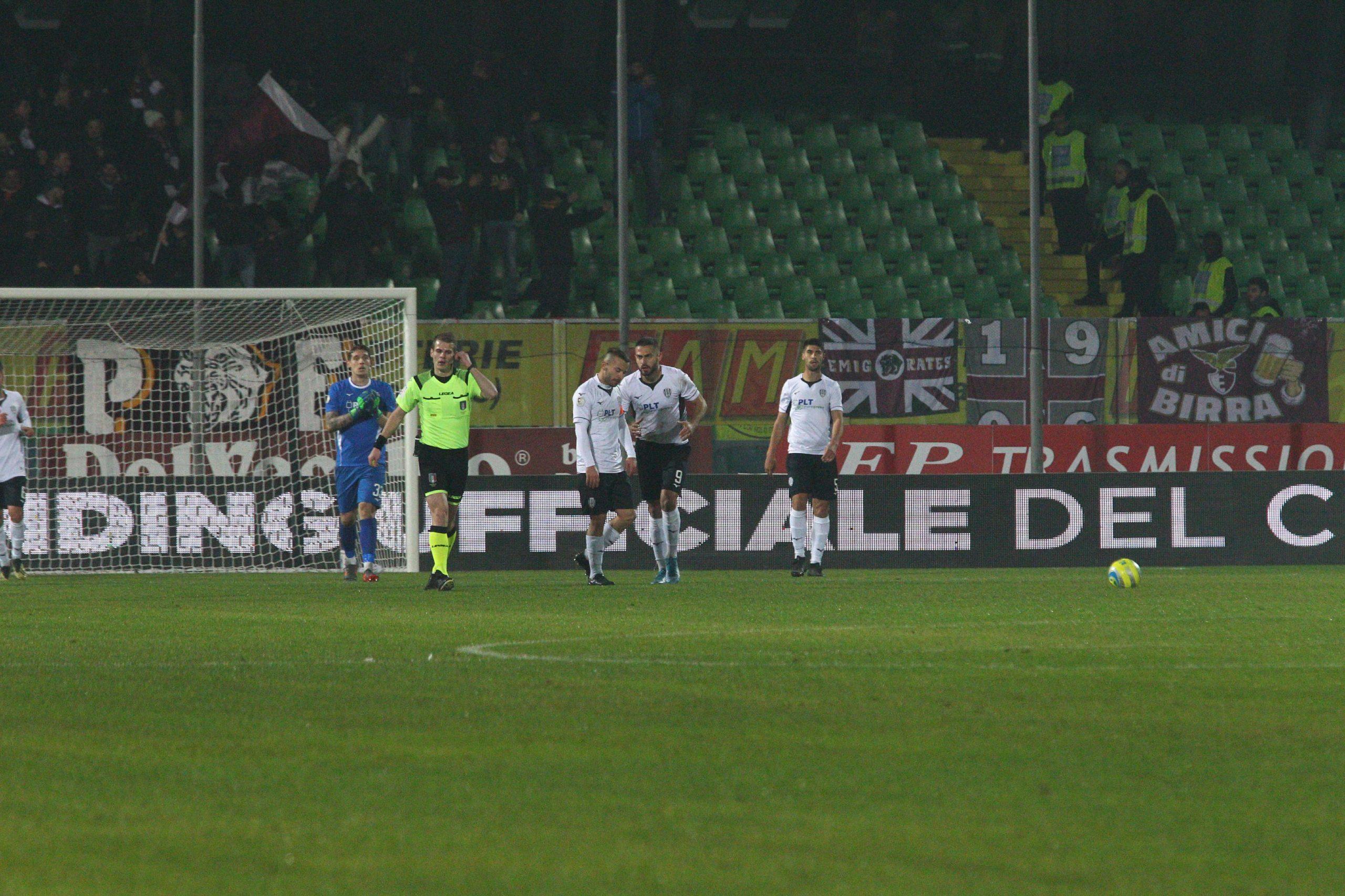 Calcio, figuraccia del Cesena contro il Fano (0-4)