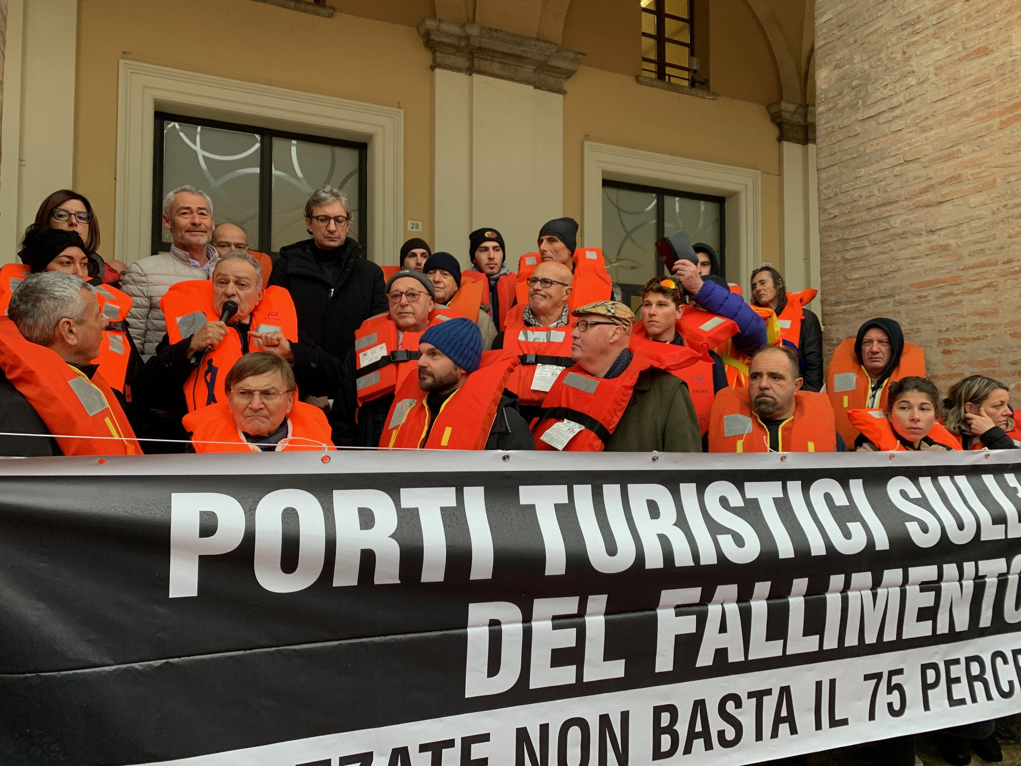 Stangata canoni, a Rimini la protesta dei porti turistici