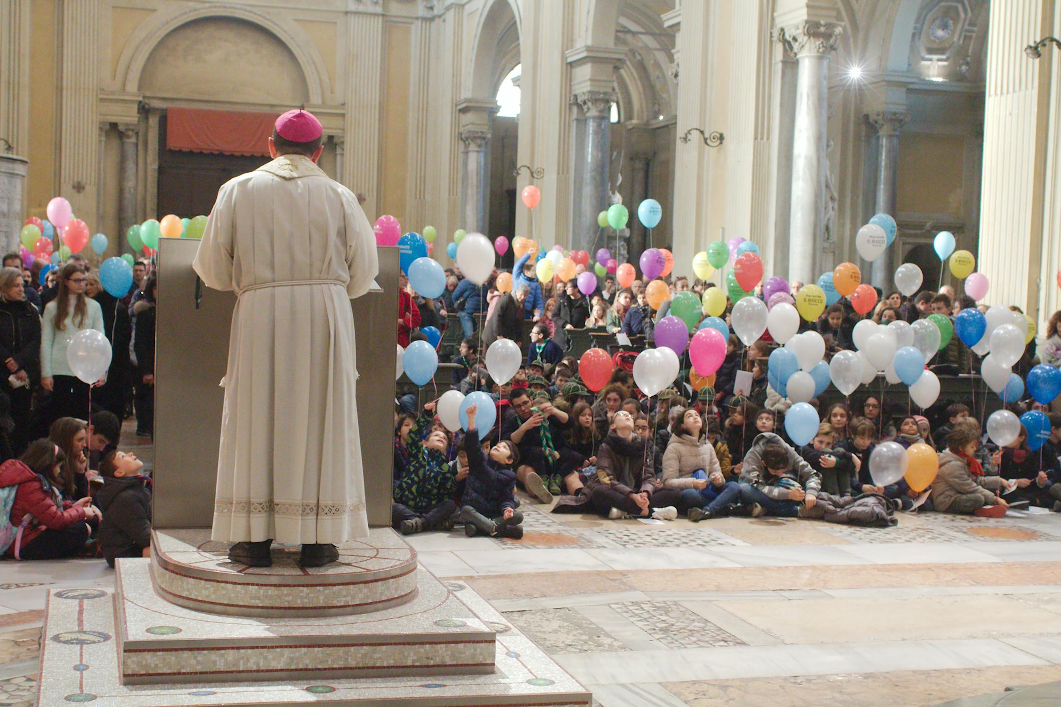 """Ravenna, Fiorita dei bambini """"green"""" con palloncini biodegradabili"""