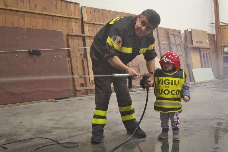 Ravenna, comando dei Vigili del fuoco aperto ai bimbi con Pompieropoli