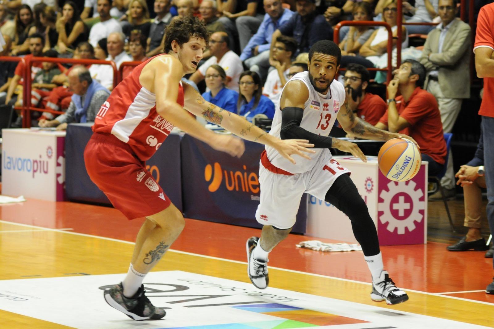 Basket, non si ferma la marcia vincente dell'OraSì (87-81)