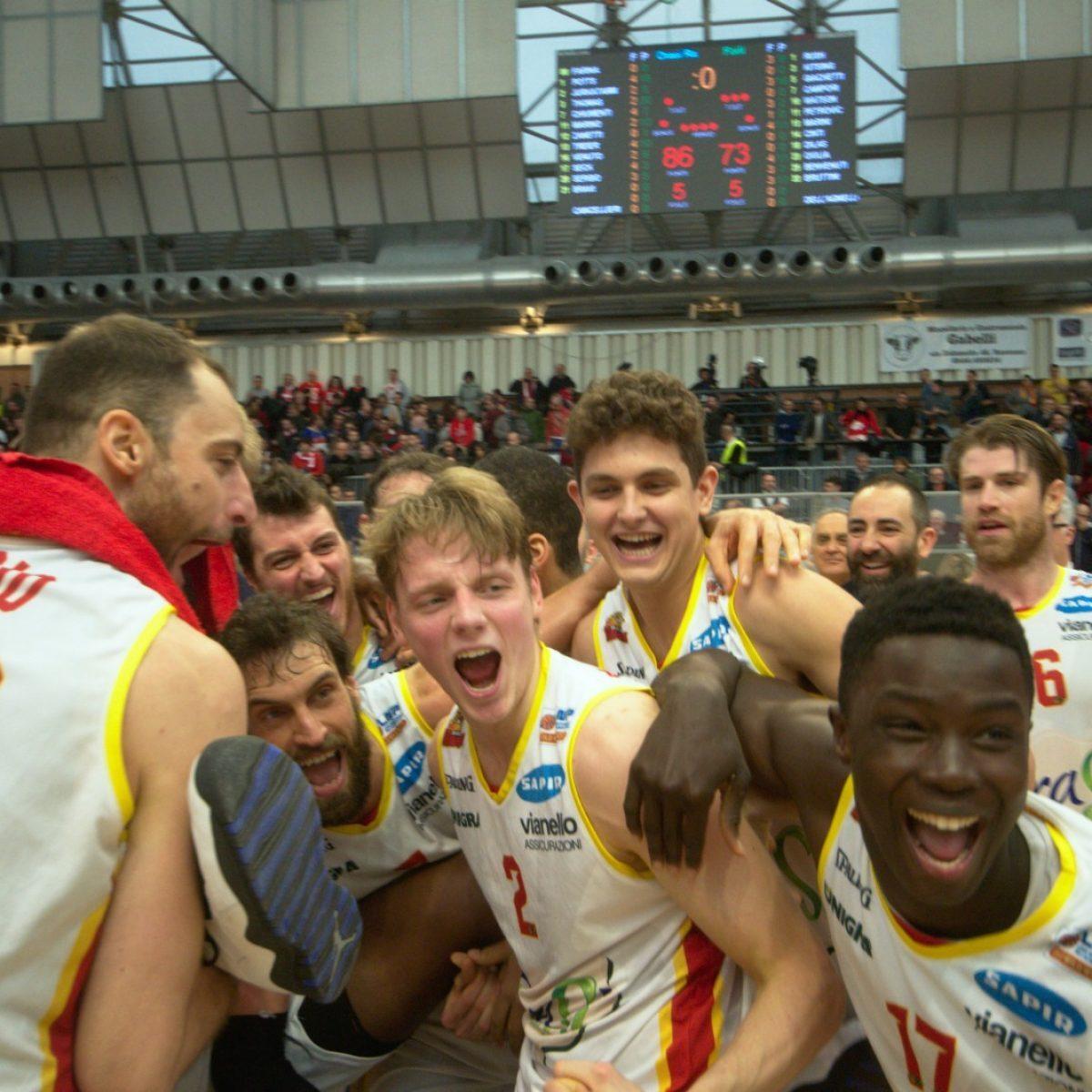 Basket, OraSì padrona del derby di Romagna - VIDEO