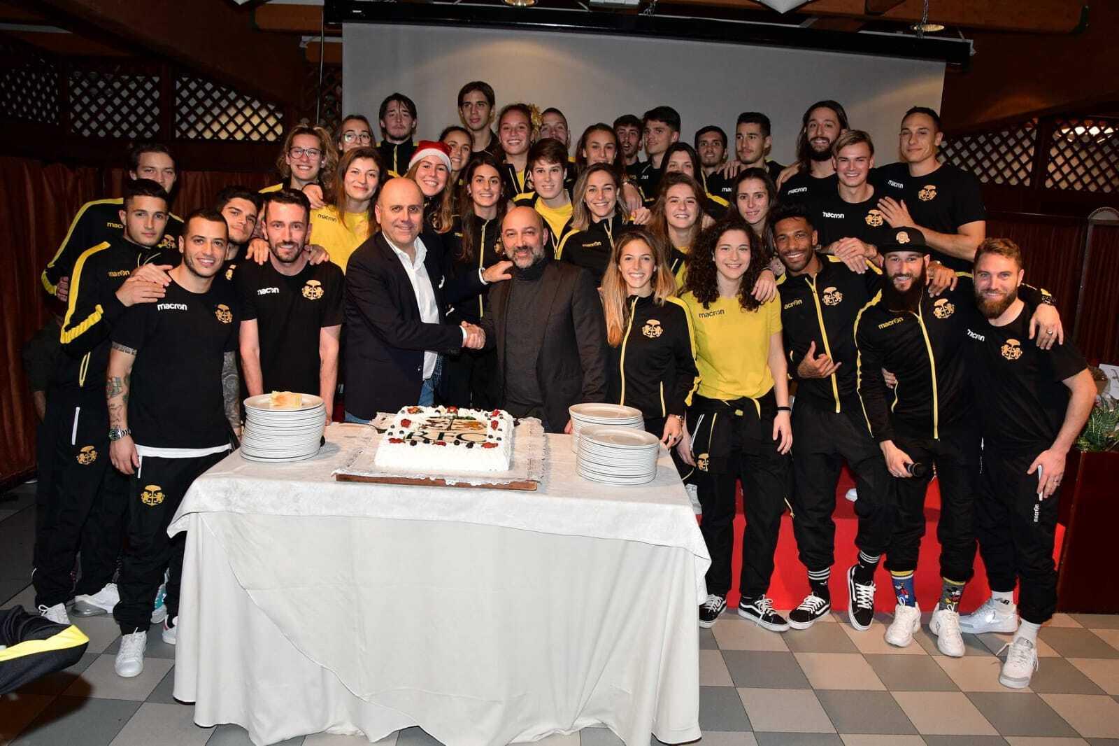 Calcio, Ravenna e Ravenna Women festeggiano insieme il Natale