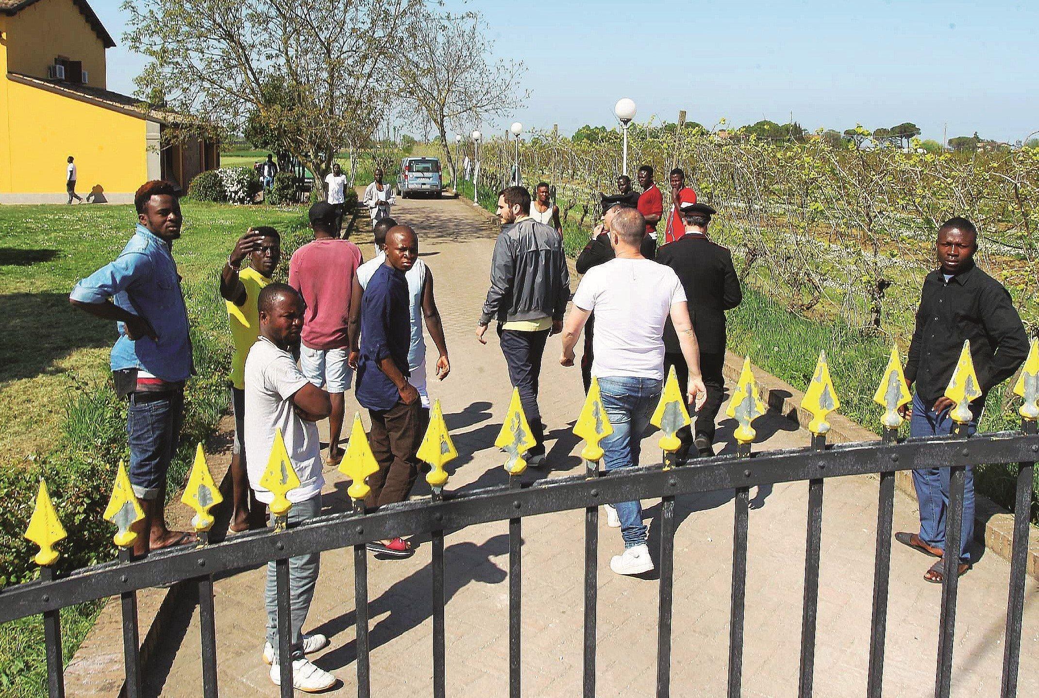 """Migrante """"sfruttato"""" a Cesena, il centro di accoglienza rigetta accuse"""