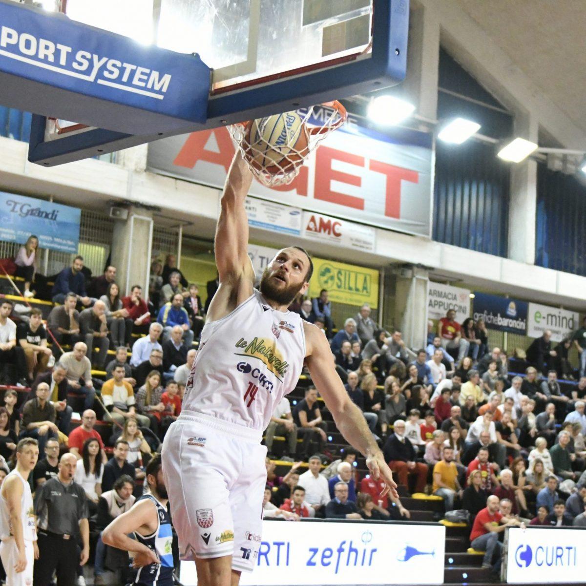 Basket, la Naturelle abbatte Orzinuovi (72-79)