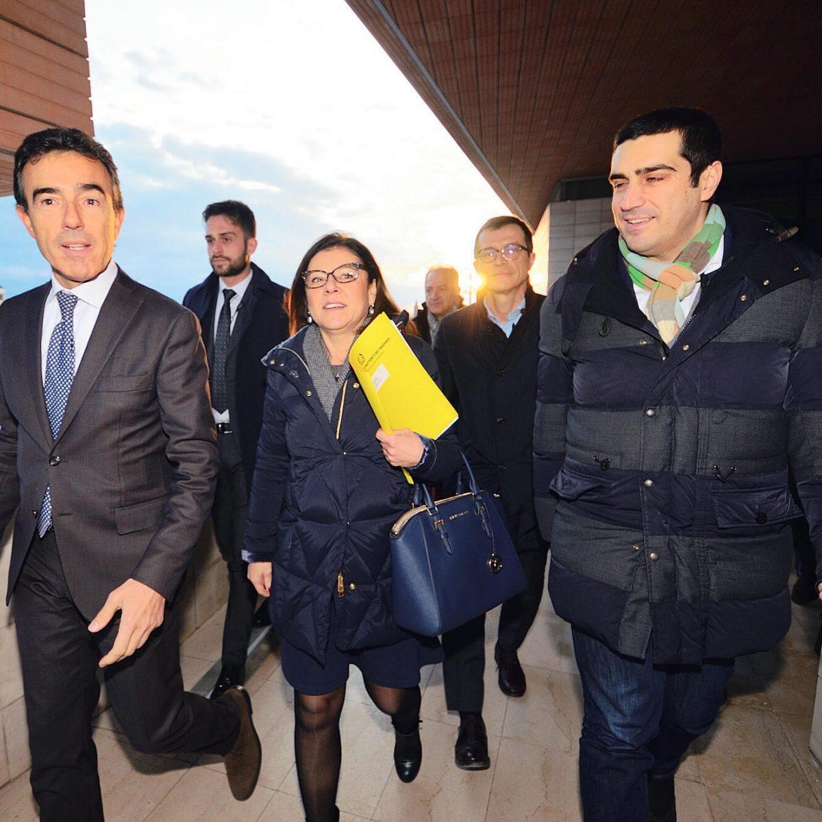 La ministra De Micheli: «penso al rafforzamento del collegamento ferroviario qui a Ravenna»