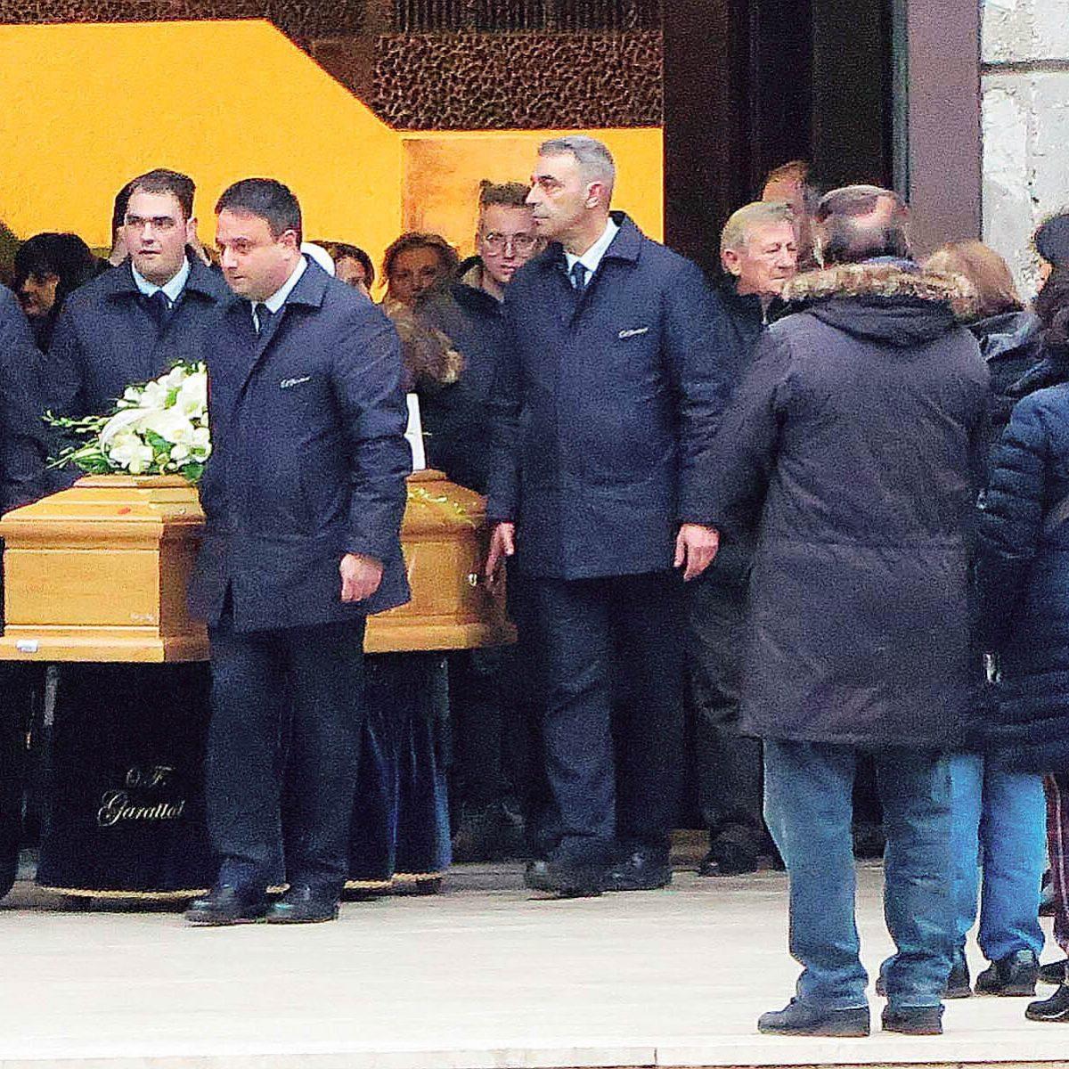 Riccione, chiesa gremita per il funerale della pensionata uccisa