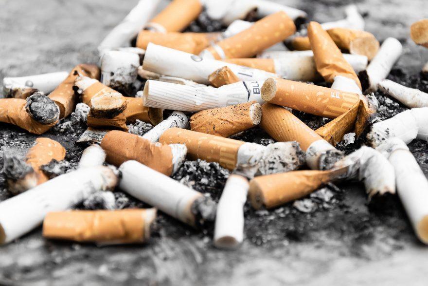 Stop ai mozziconi di sigaretta  a terra e per le strade di Cesena