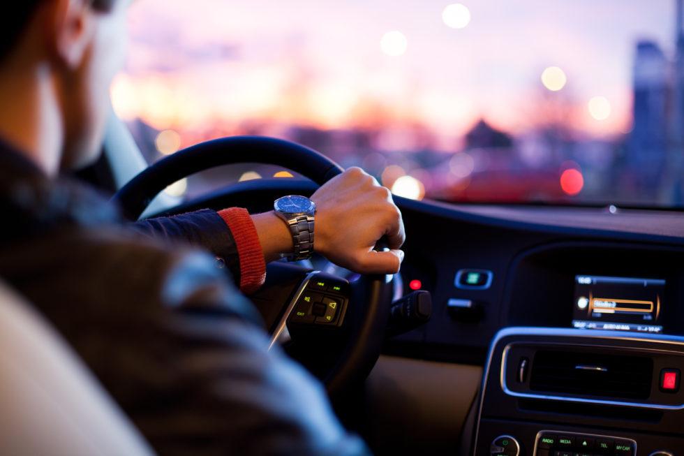 Forlivese alla guida senza patente da 7 anni, sanzione di 5mila euro