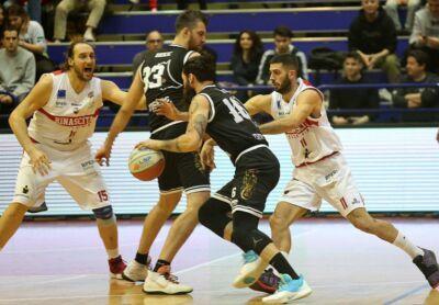 L'Albergatore Pro vince il derby contro l'Amadori - GALLERY