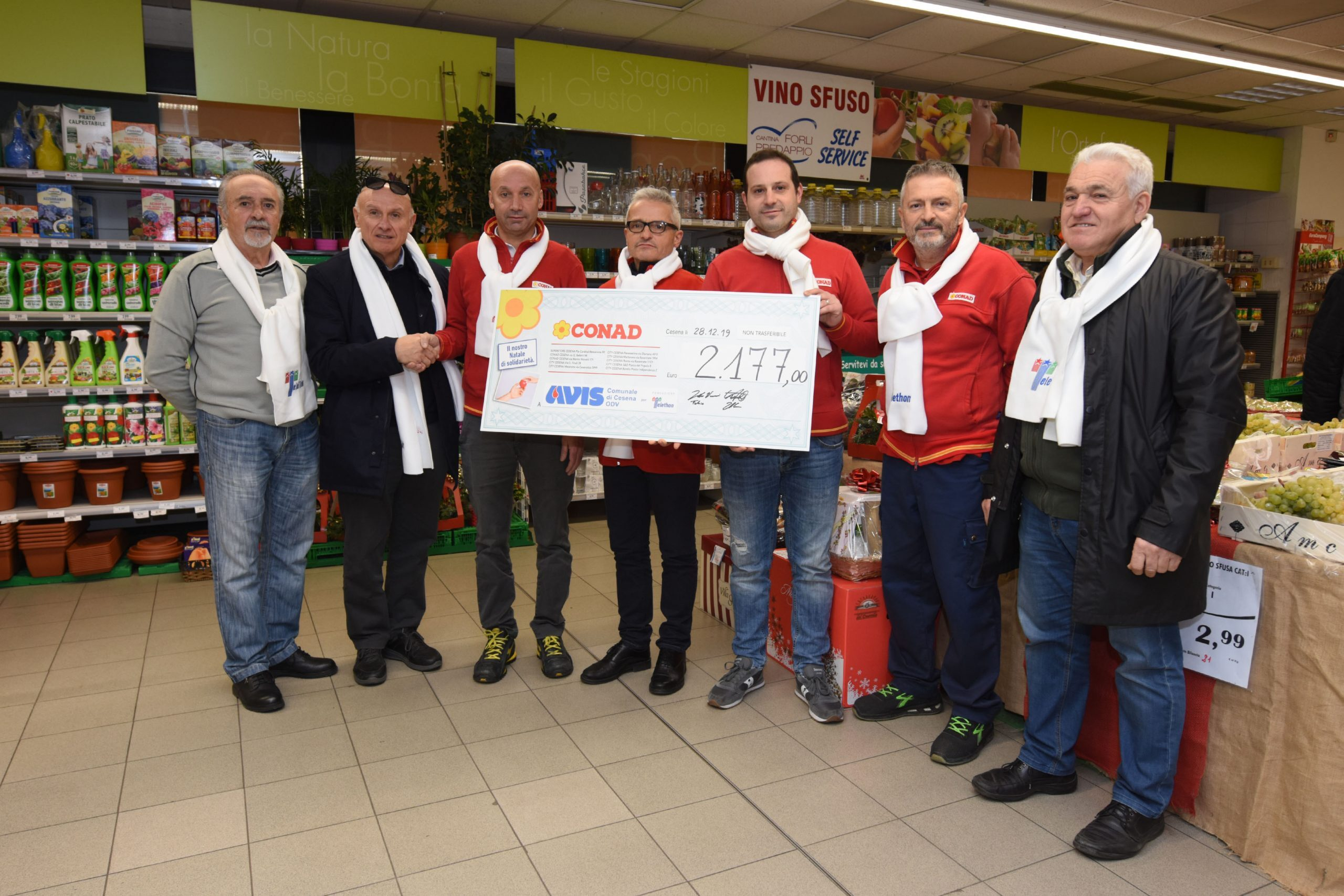 Cesena, dieci Conad donano all'Avis più di duemila euro
