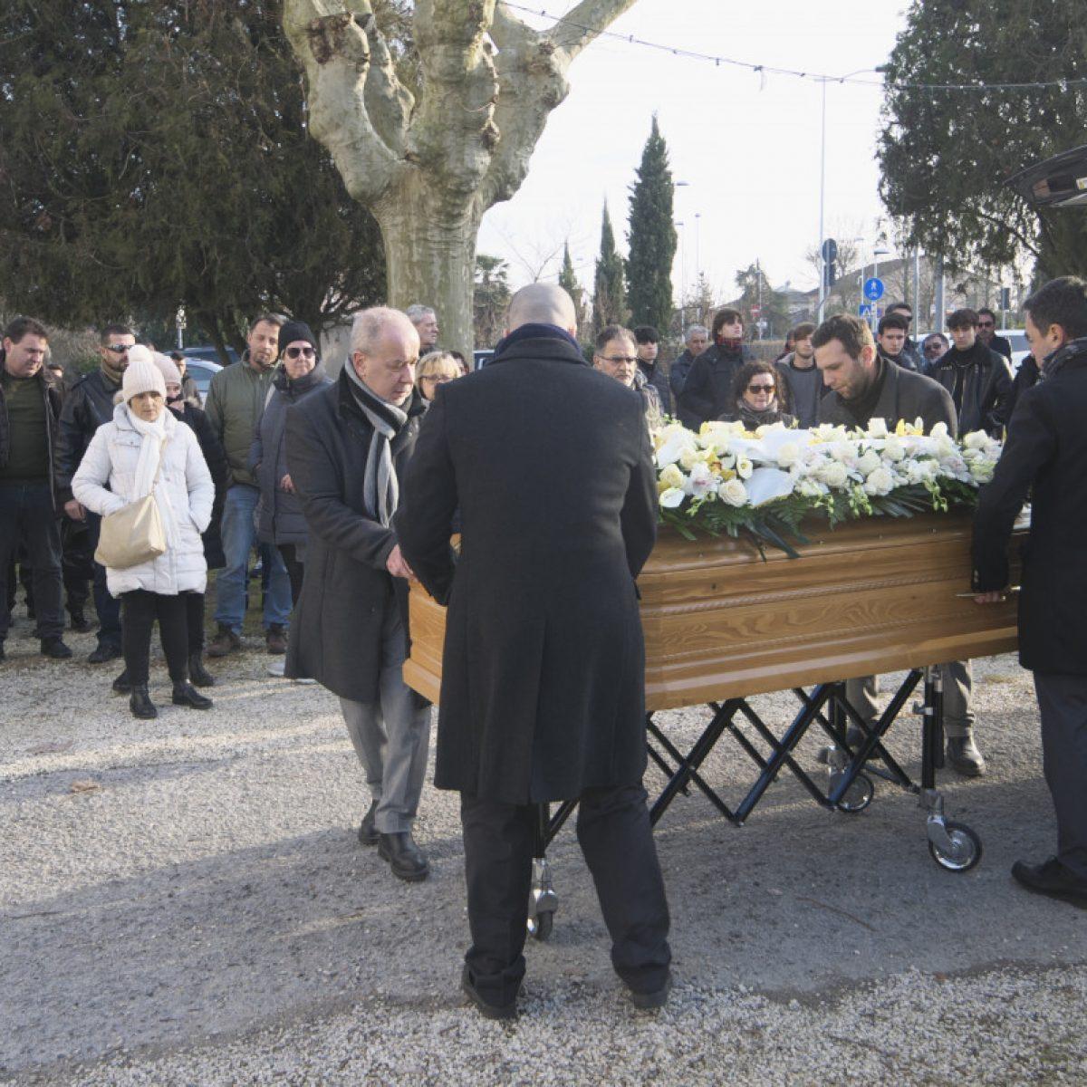 A Savio l'addio a Lorenzo Forte, morto a 17 anni con la minicar nel canale