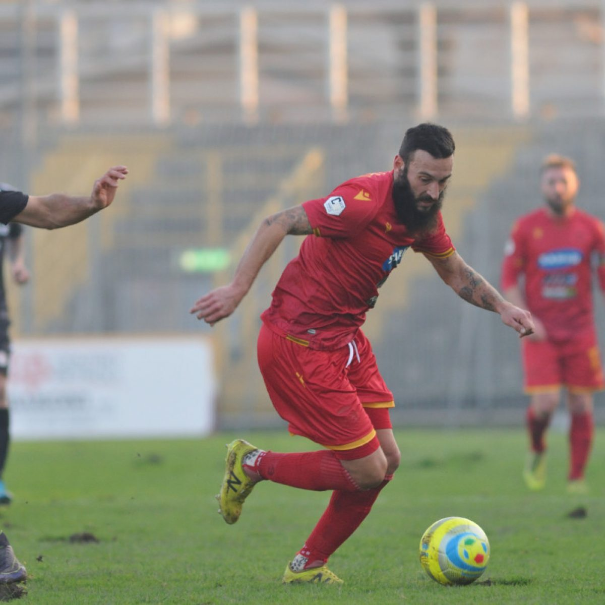Calcio, c'è solo un punto per il Ravenna (1-1)