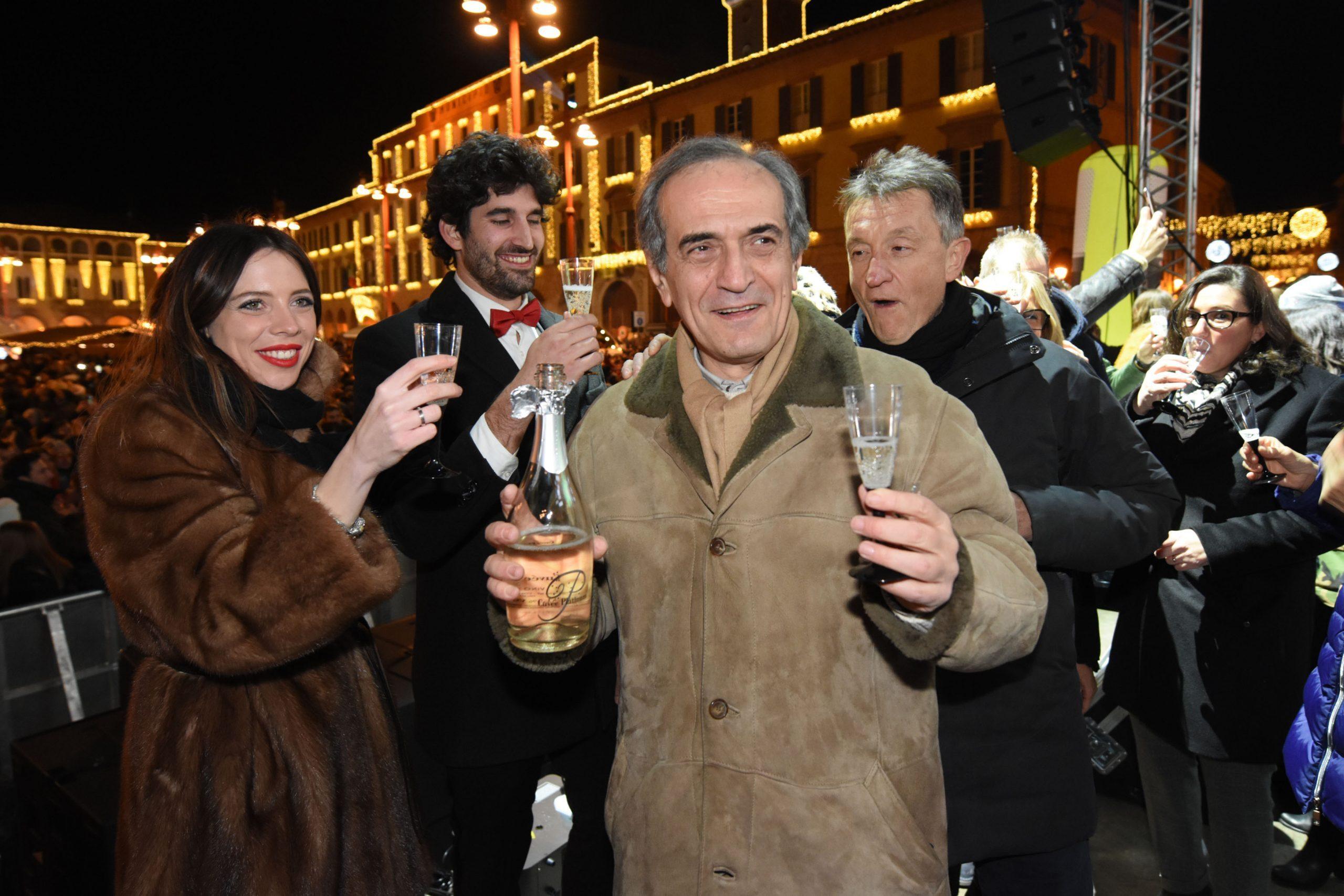 Forlì, festa di Capodanno in piazza Saffi con migliaia di persone