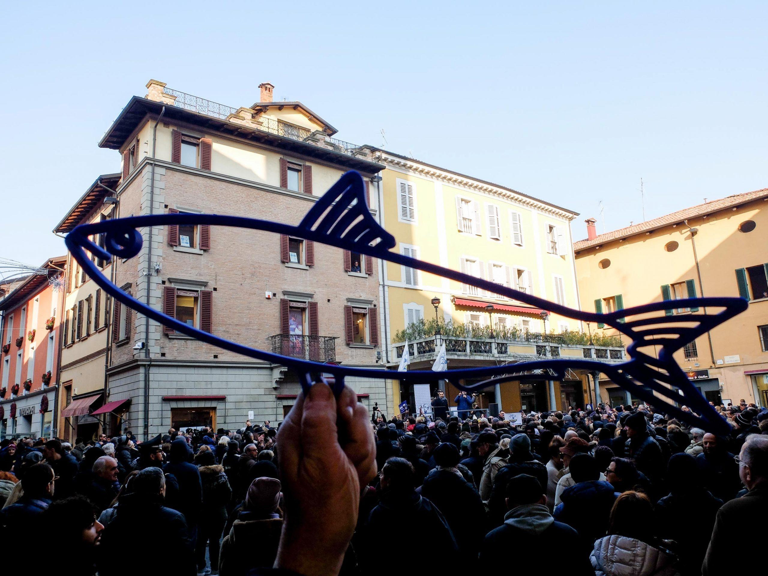 Salvini a Imola, sale la contestazione VIDEO