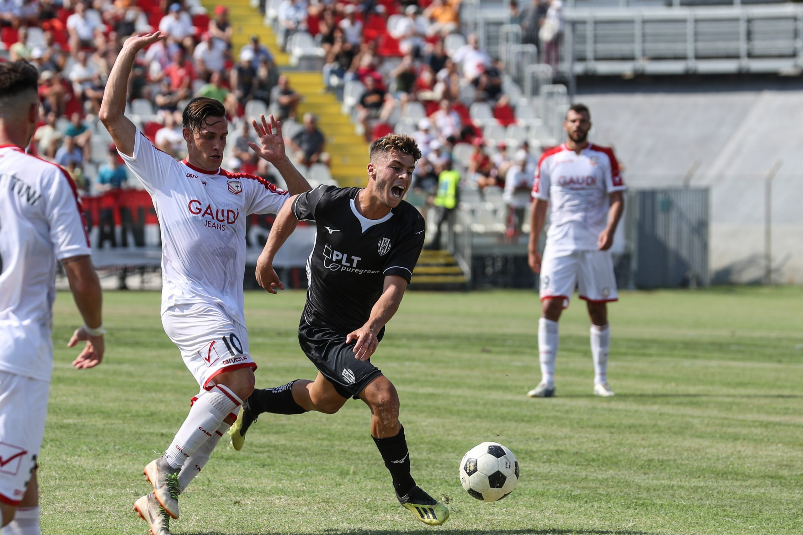 Calcio C, un brutto Cesena cade a Pesaro (1-0)