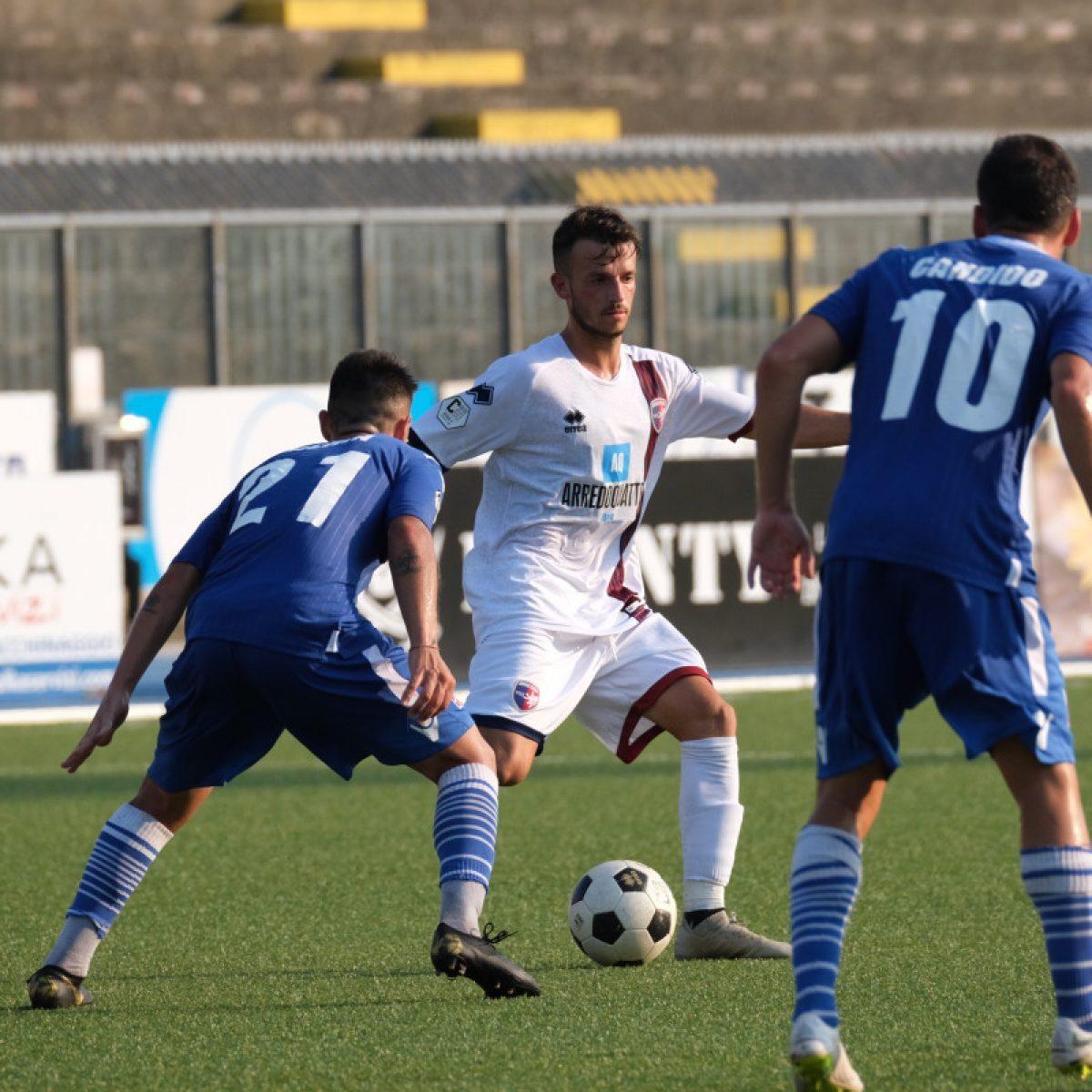 Calcio, la prevendita per il settore ospiti di Imolese-Rimini