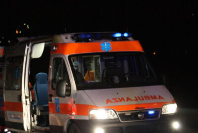 Cervia, 14enne in scooter contro parapetto finisce all'ospedale