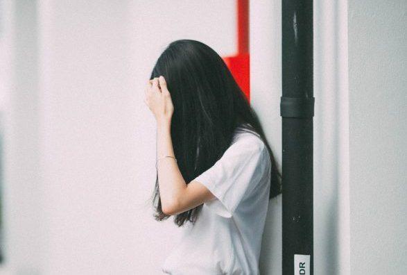 Pedinata e rincorsa in strada, l'ossessione per la 16enne è stalking
