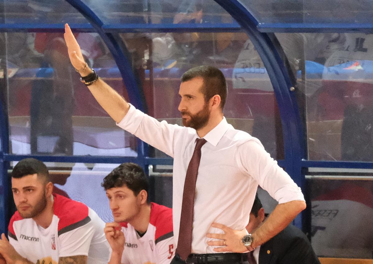 Basket, Andrea Costa ko in casa contro Mantova (81-99) - VIDEO