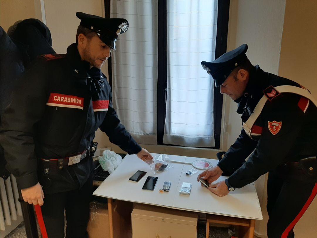 Forlì, trovata con l'eroina nella borsa: arrestata