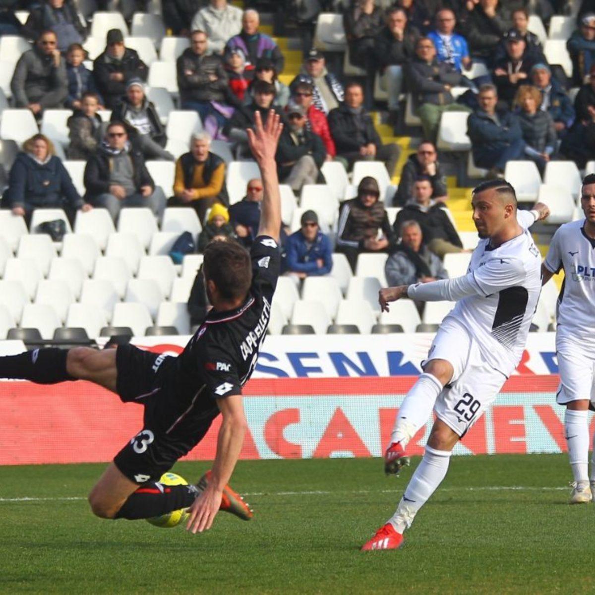 Il Cesena si arrende alla capolista Vicenza (1-3)