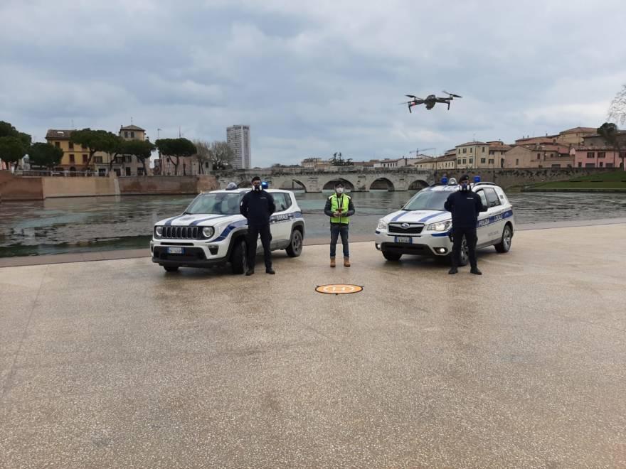 Coronavirus, in volo il primo drone di Rimini