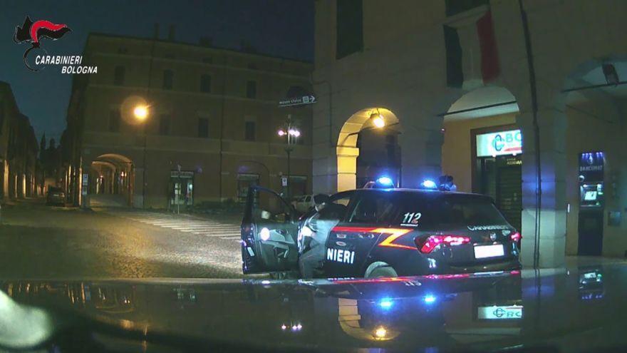 Controlli notturni dei carabinieri nella zona rossa di Medicina