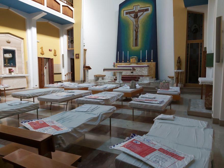 Coronavirus, casa di riposo blindata:  operatori dormono in chiesa