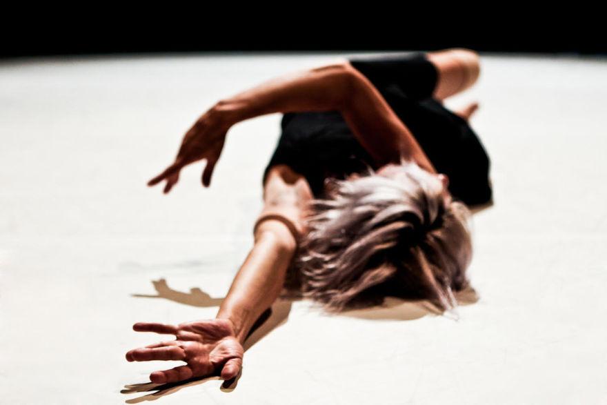 Paola Bianchi, la danza nella rete  Nuove posture per il proprio corpo