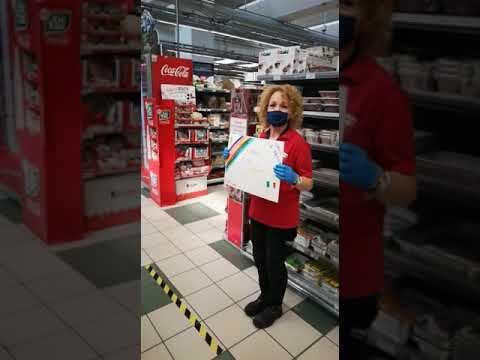Coronavirus, il flash mob alla Coop di Riccione - VIDEO