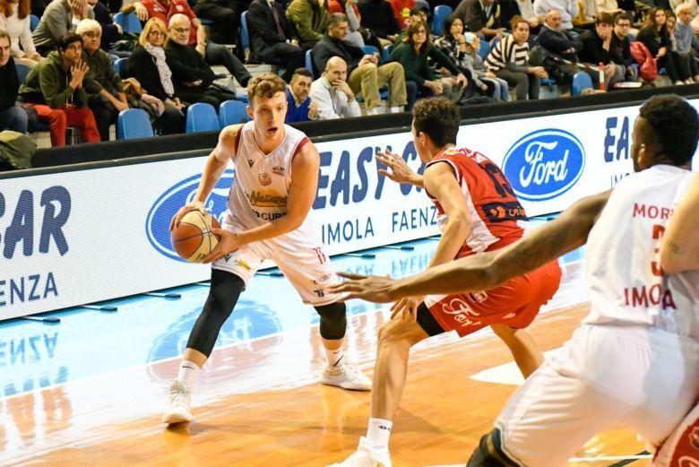 Basket A2, dietrofront: il derby Unieuro-Naturelle domenica alle 18