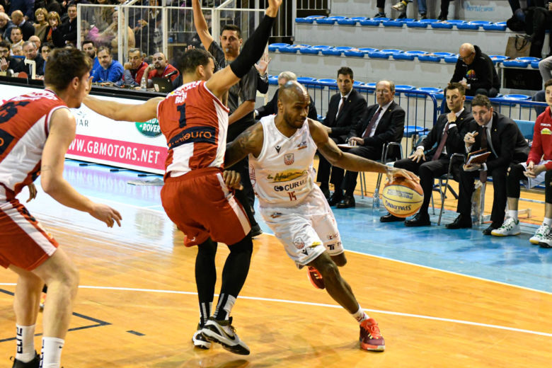 Basket, Unieuro-Naturelle in diretta su Teleromagna