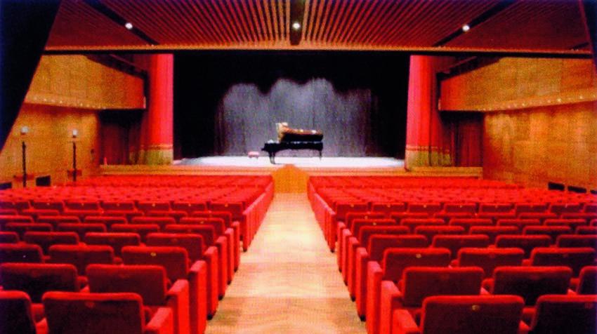 Gli spettacoli teatrali di Accademia Perduta rinviati in Romagna