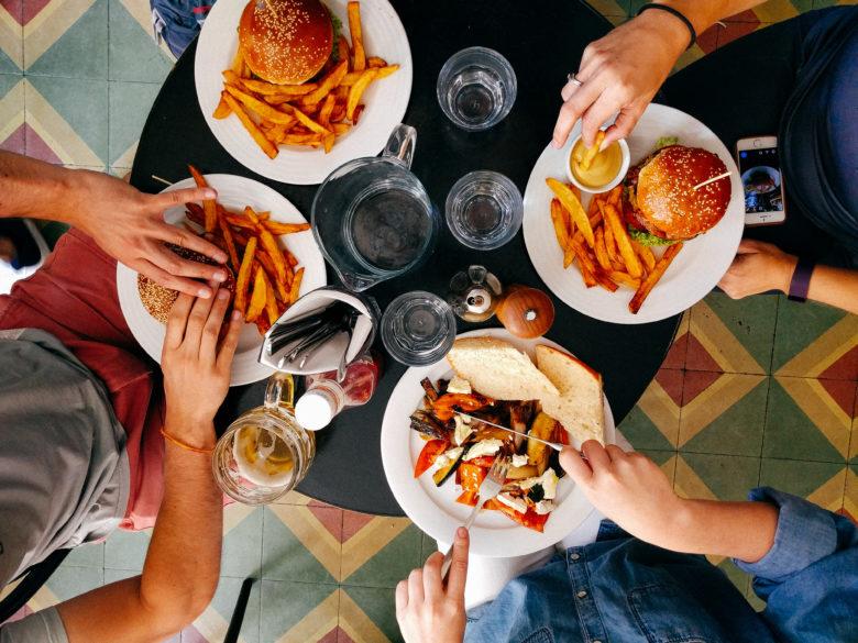 Bar e ristoranti: verso la chiusura dopo le 18 in tutta la regione
