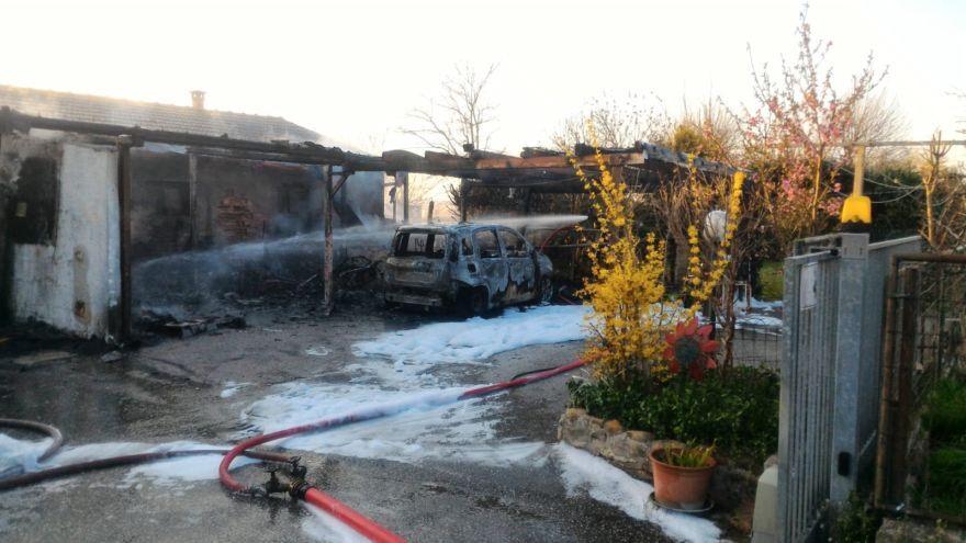 Cesena: incendio in via Medri a Gattolino