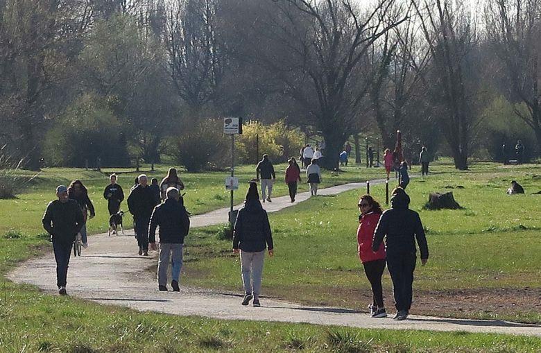 Rimini, parchi chiusi e controlli sul lungomare