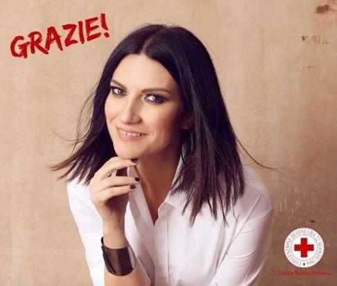Coronavirus, Laura Pausini dona 100mila euro alla Croce rossa